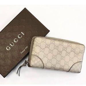 Gucci Leather Logo Zip Around Wallet